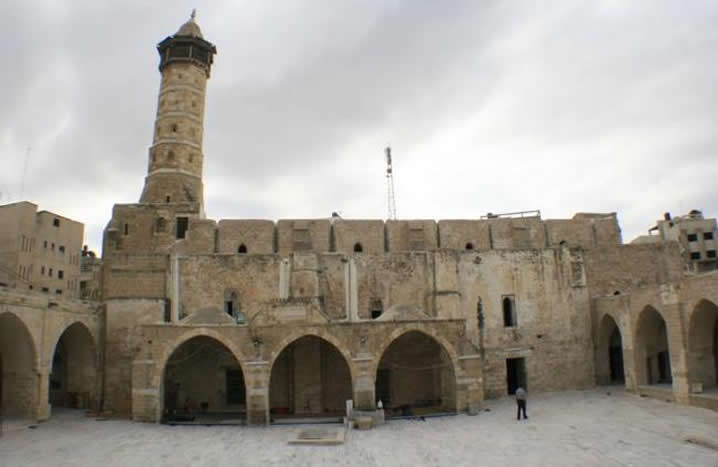 https://theantiquitiescoalition.org/wp-content/uploads/2019/03/2013-03-Syria-Omari-Mosque-in-Daraa-Credit-Syrian-Uprising-Information-Center-2.jpg