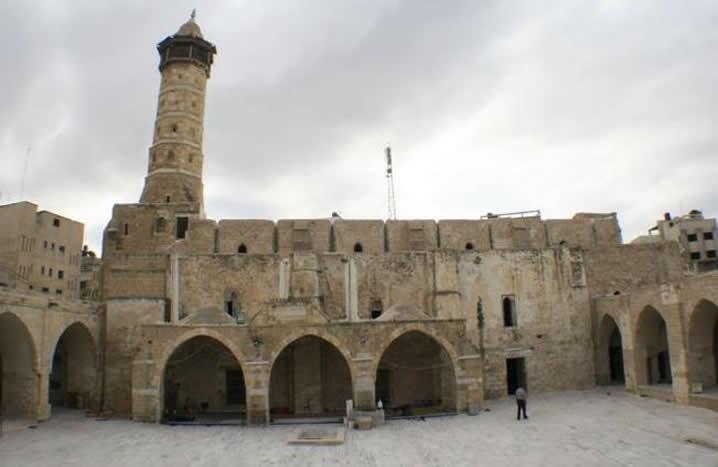 https://mk0antiquitiesc6hkgl.kinstacdn.com/wp-content/uploads/2019/03/2013-03-Syria-Omari-Mosque-in-Daraa-Credit-Syrian-Uprising-Information-Center-2.jpg