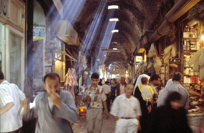 https://mk0antiquitiesc6hkgl.kinstacdn.com/wp-content/uploads/2018/10/Aleppo-Souk-Syria-AFTER-Sustainable-Cities-Collective-2012-1-e1469904432840.jpg